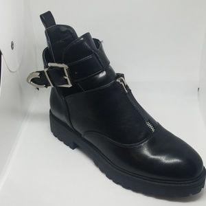 Bestelle Black Front Zip Side Bugkle Bootie Size 8